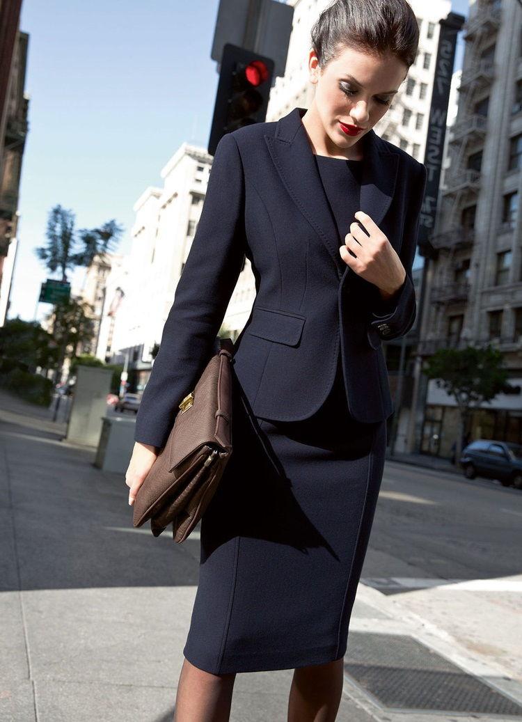 Строгий деловой стиль в женской одежде