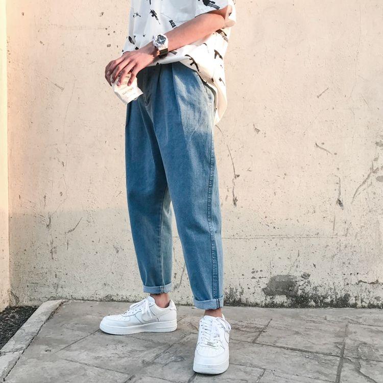 Мужские джинсы-бананы - фото