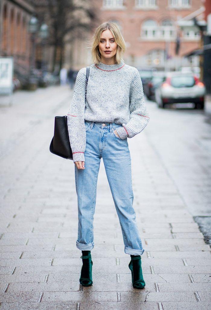 С чем носить джинсы мом в этом году, образы, фото